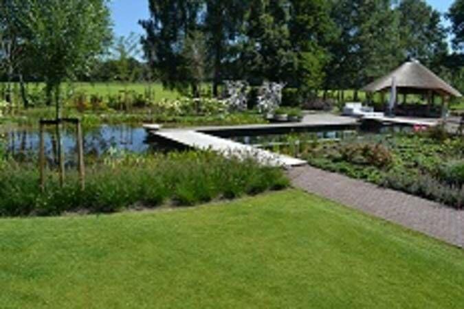 Genomineerden zwemvijver van het jaar bekend hortipoint - Klein natuurlijk zwembad ...