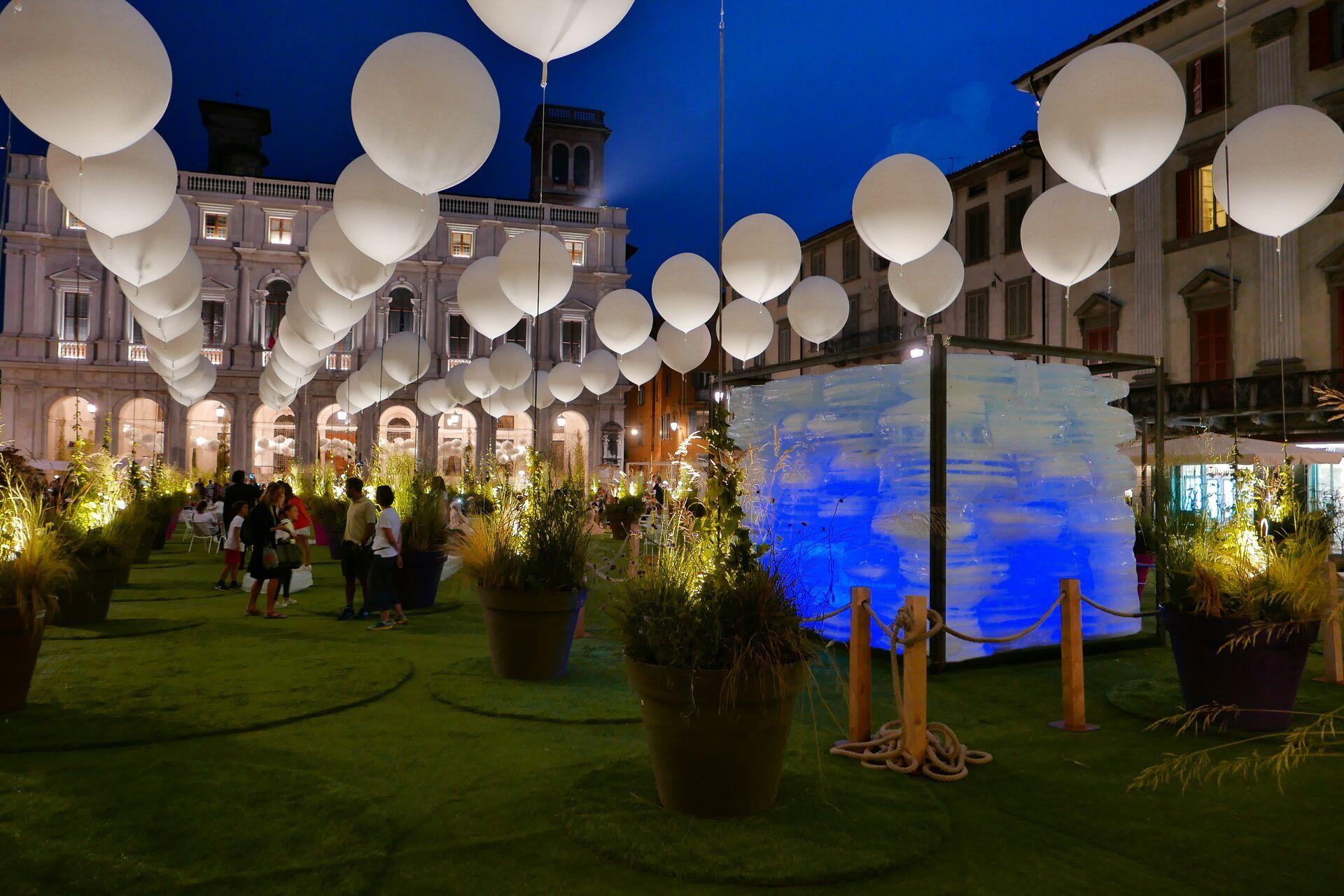 Lodewijk Baljon richtte het historische plein van Bergamo dit jaar opnieuw in.