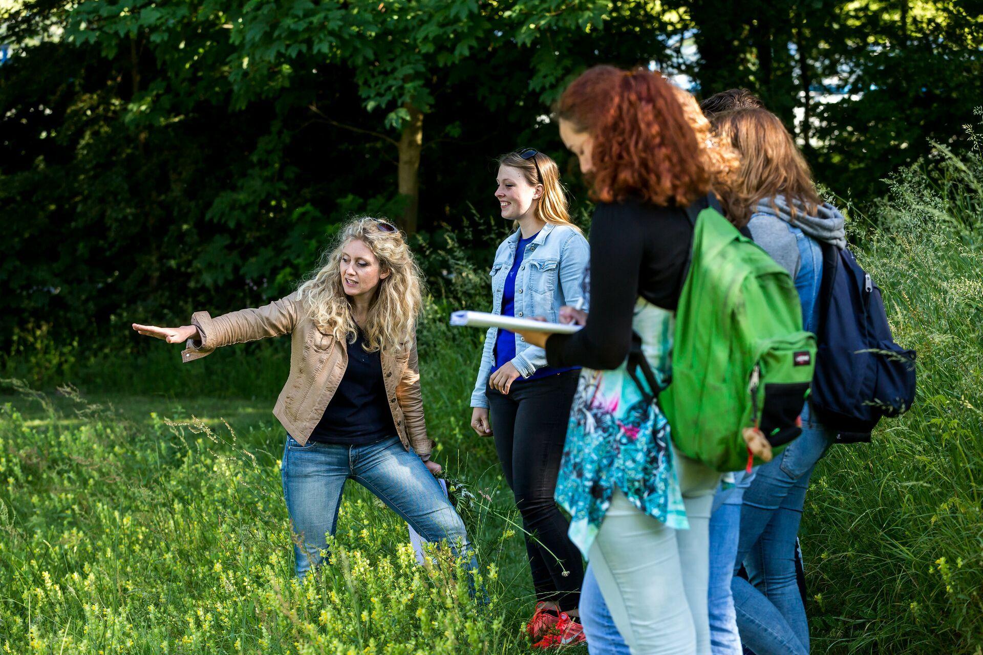 Larenstein opleiding bestaat 120 jaar for Opleiding tuin
