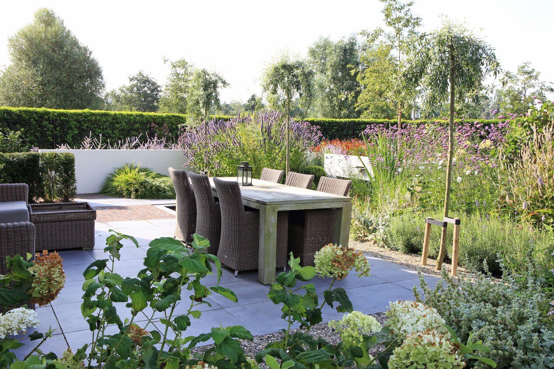 Gert Wijsman - Vakantie vieren in eigen tuin - Modeste Herwig